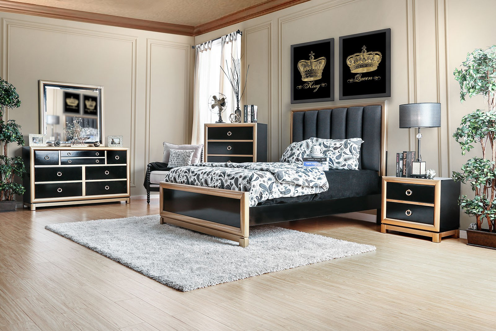 Black And Gold Color Est King Size Bed Dresser Mirror Nightstand 4pc  Bedroom Set