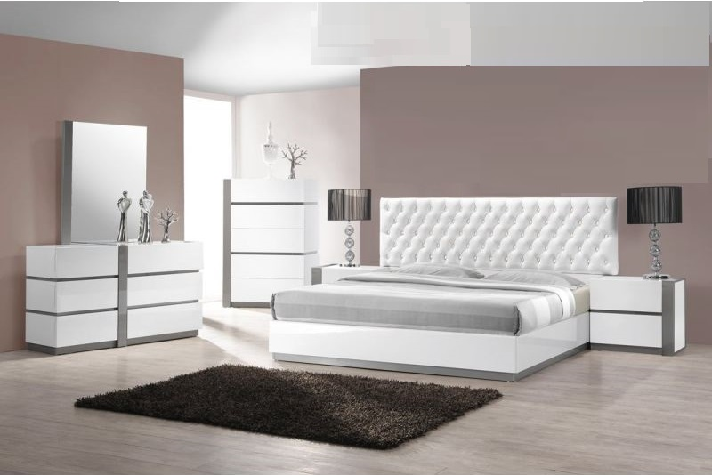 queen size bedroom 1pc bed white finish hot sectionals. Black Bedroom Furniture Sets. Home Design Ideas