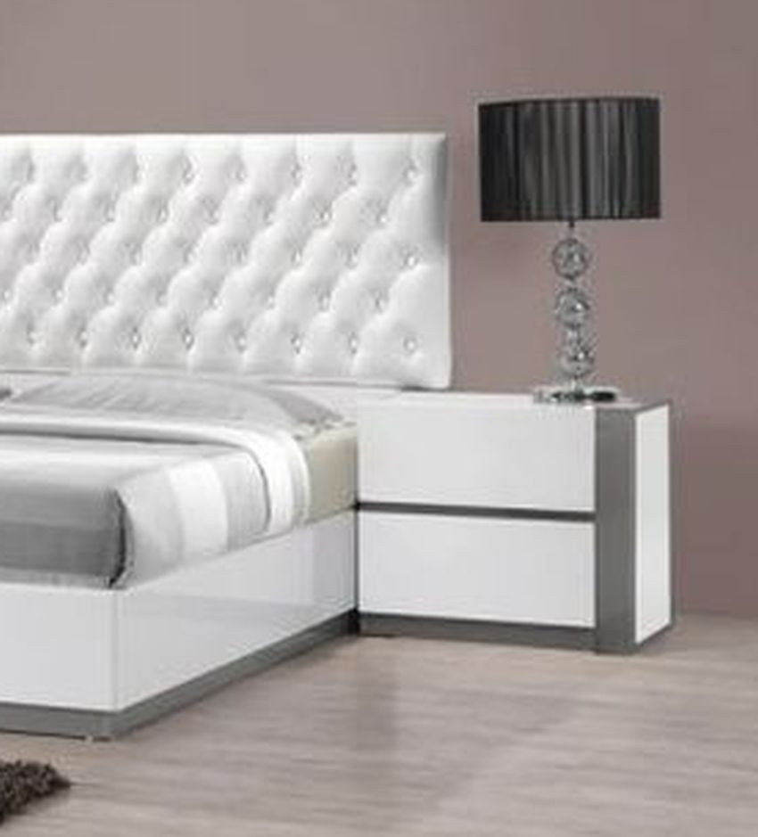Queen Size Bedroom 1pc Bed White Finish